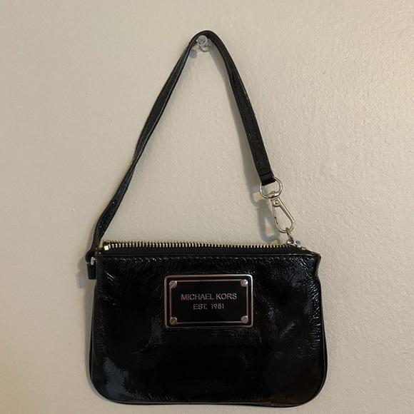 Michael Kors Handbags - Michael Kors REAL wallet